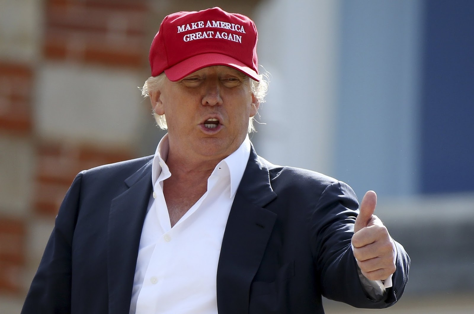 trump-in-baseball-cap